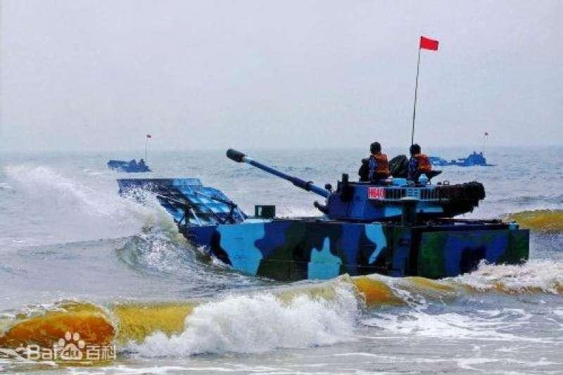 解放軍的兩棲作戰主力:05式高速兩棲突擊車。