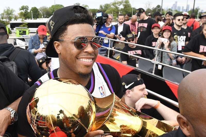 暴龍才拿下總冠軍不久,NBA下一季的奪冠熱門就有了相當大的變動。 (美聯社)