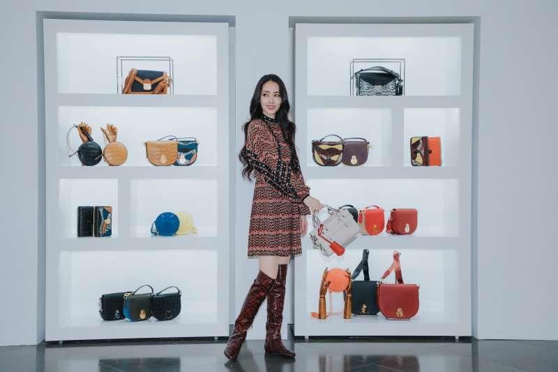氣質女星郭碧婷時尚演繹Longchamp2019秋冬新品(圖/Longchamp)