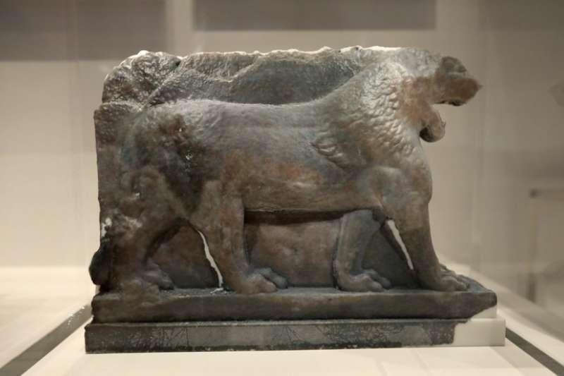 英國倫敦帝國戰爭博物館展出3D列印複製品「摩蘇爾獅子」。(AP)