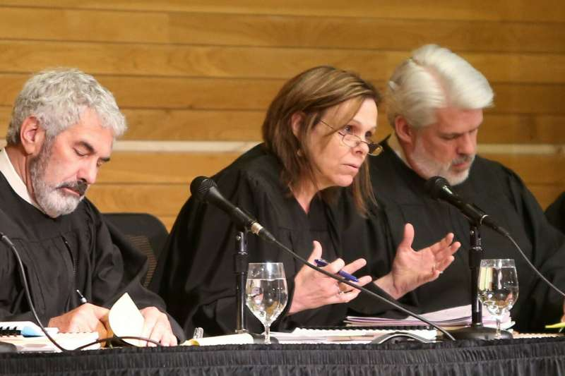 美國法官因犯案少年擁有「良好家世背景」拒絕將其移送成人法庭。(示意圖非本人,AP)