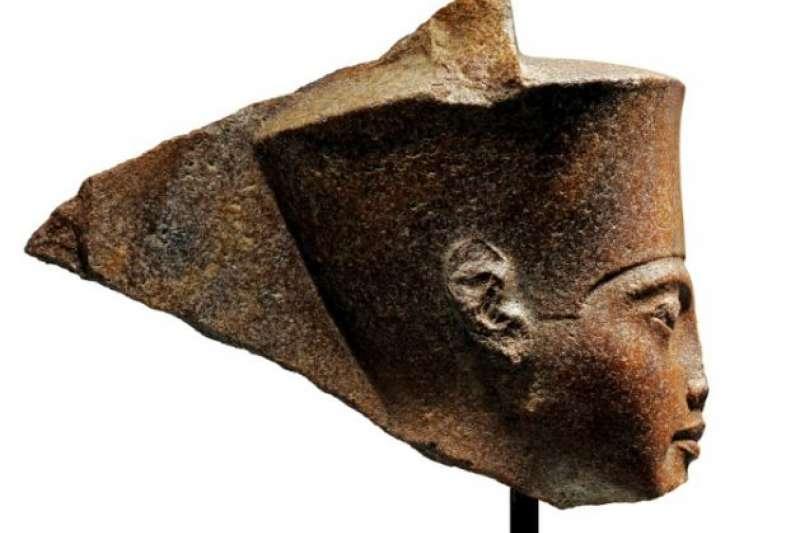 佳士得拍賣會於7月4日高價售出圖坦卡門頭像。