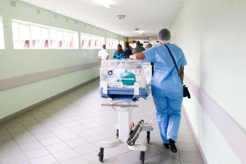 腎陰虛症狀有哪些女 - 死了一個外科醫生之後:不只過勞!暴力事件發生率極高,醫院走廊險成殺戮現場