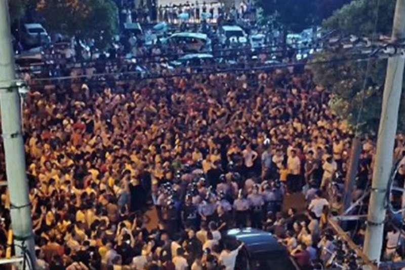 武漢新州數千人上街抗議政府興建垃圾焚燒發電廠