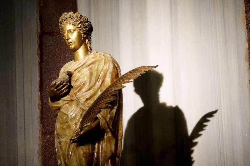 聖安妮耶色的雕像 (曾廣儀攝)