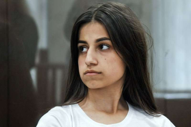 三姊妹的律師指出,她們的父親有精神疾病與暴力傾向。(AP)