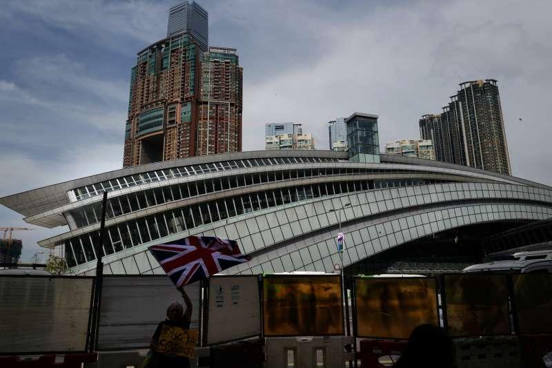 中國「廣深港高速鐵路」西九龍站(AP)