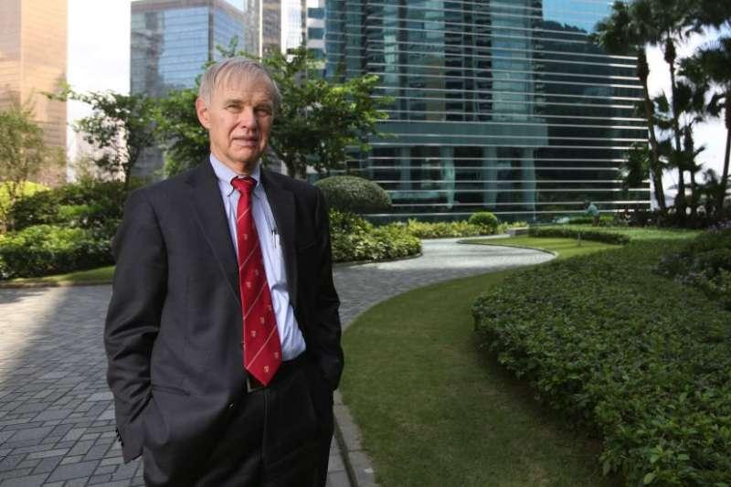 美國亞太政策權威專家卜睿哲早在1960年代,12到17歲在香港度過,與傳教士父母住在沙田道風山。(BBC)