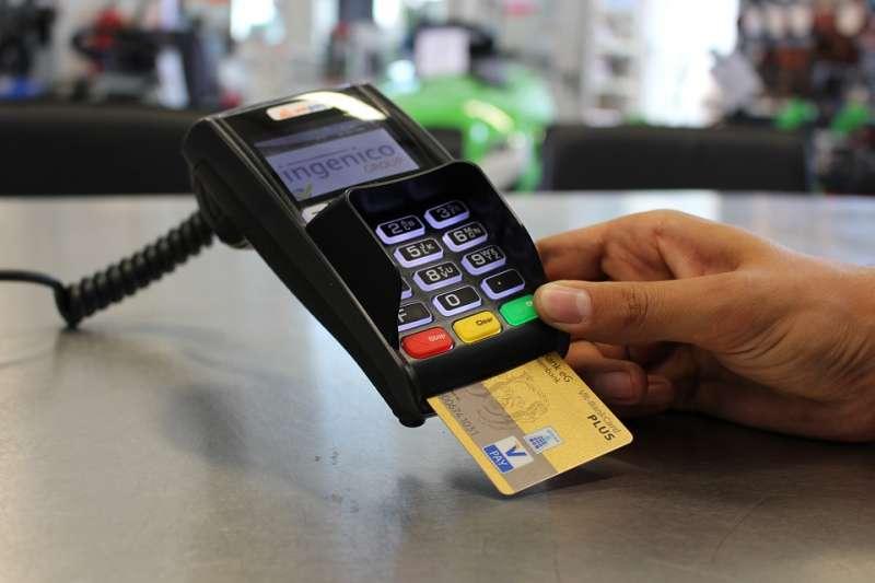在不同的消費情況,選用最合適的信用卡,讓你聰明地花每一分錢!(示意圖/flyerwerk@pixabay)