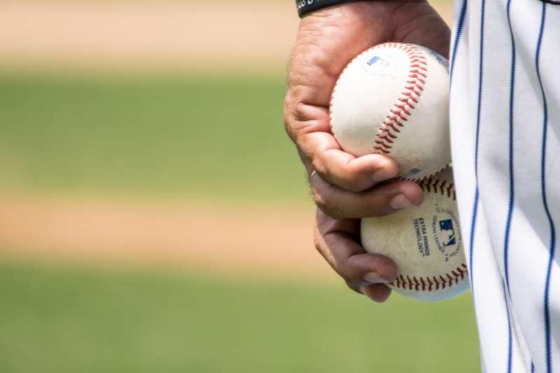 打進美國職棒大聯盟(MLB)是許多棒球選手遙不可及的夢想(圖/unsplash)