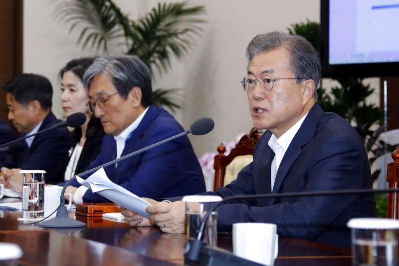 南韓總統文在寅8日在青瓦台呼籲日本撤回出口管制。(美聯社)