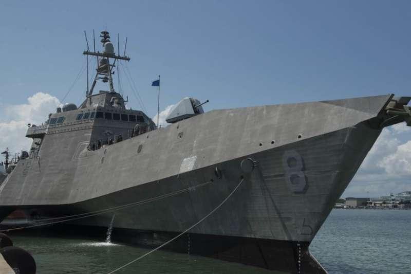 美國「蒙哥馬利號」近岸戰鬥艦(USS Montgomery)2019年7月6日抵達新加坡。(美國海軍官網)