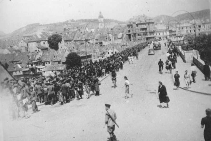 二戰結束時,狄托對待異己的手段遠比蔣中正殘酷,逼迫克羅埃西亞軍人與眷屬由奧地利一路行軍回南斯拉夫,沿途還默許塞爾維亞籍士兵對他們實施報復,造成了比二二八事變還要嚴重得歷史悲劇。(許劍虹提供)
