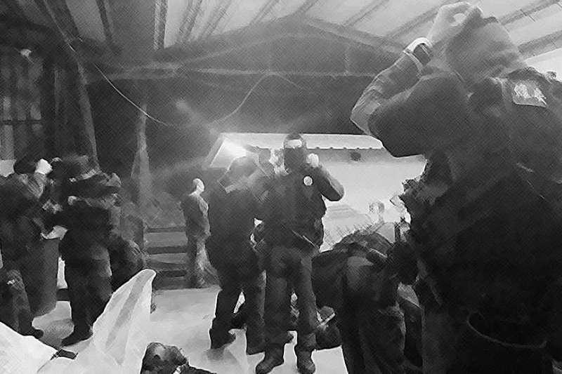 近來因火車刺警案,針對執法者是否能「大膽、合理的」使用槍械引發關注。而時常在第一線值勤的維安特勤隊員,其身分保護也值得外界深思。(取自刑事局長臉書)