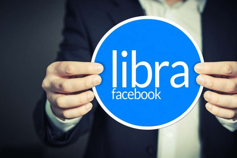 臉書日前宣布計劃發行虛擬貨幣Libra,遭全球政治領袖與央行總裁反對。(資料照,取自geralt@pixabay)