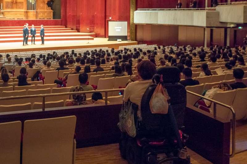 20190712-國家兩廳院11日舉辦首次「輕鬆自在場」,讓不同需求的觀眾都能共同欣賞表演。(兩廳院提供)