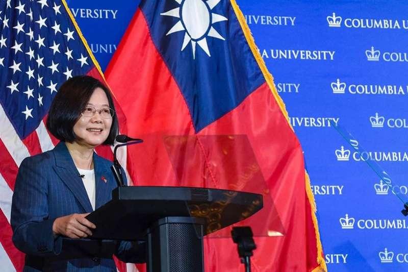 總統蔡英文13日在美國哥倫比亞大學演講表示,全球自由遭遇前所未有威脅,台灣一直站在民主最前線,民主轉型故事須讓世界聽見。(取自哥倫比亞大學instagram)