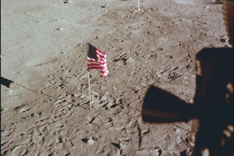 1969年7月21日,阿波羅11號登月任務,登月艙即將離開月球表面(AP)