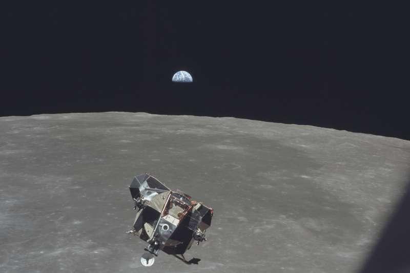 1969年7月21日,阿波羅11號登月任務,遠眺地球(AP)