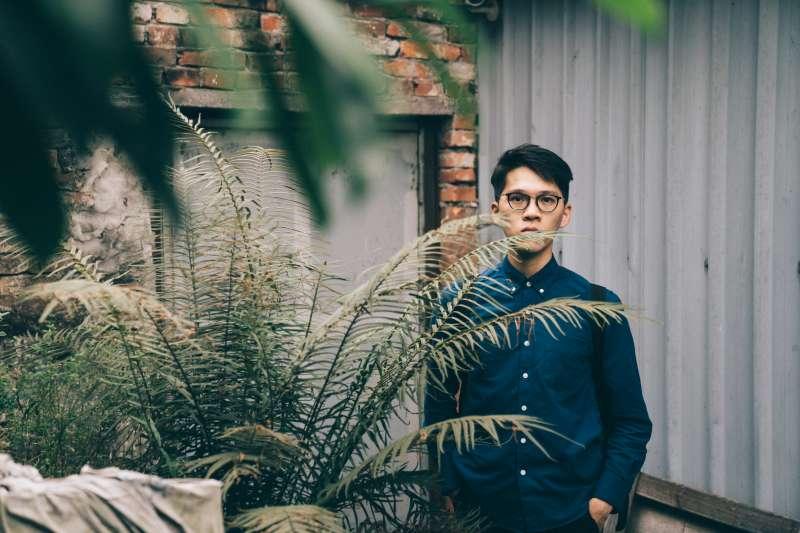 香港作家Mr. Pizza,2012年起在香港高登論壇上連載網路小說《那夜凌晨,我坐上了旺角開往大埔的紅van》而爆紅。(王志元攝)
