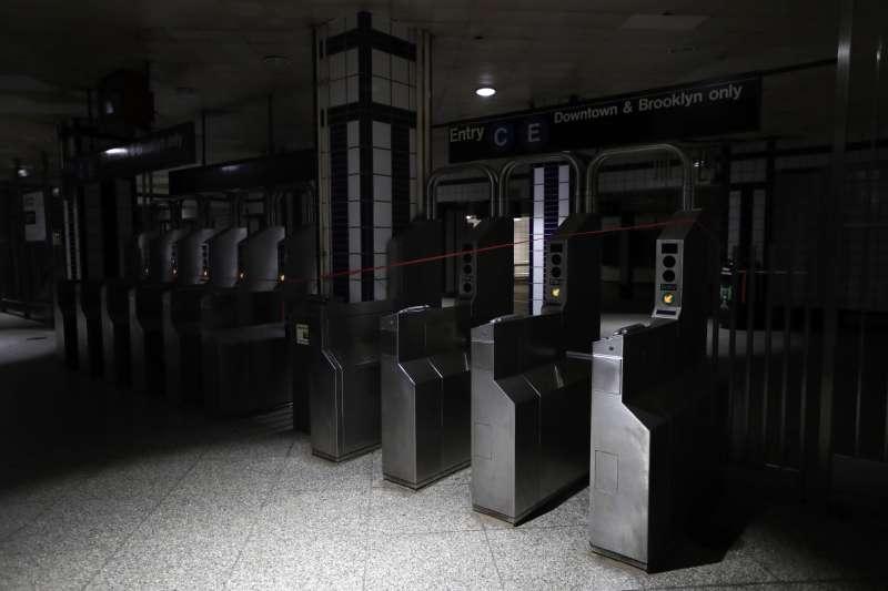 紐約市大停電,地鐵停擺關閉(AP)
