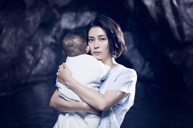 《坡道上的家》血淋淋地演出在職場媽媽的家庭生活,根本是地獄。(圖/取自呂秋遠臉書)