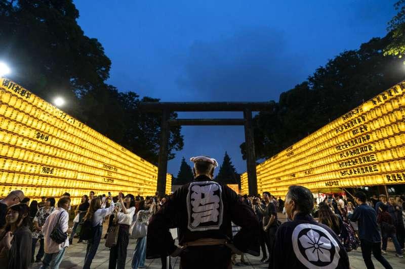 靖國神社的慰靈祭是東京最大規模的祭典之一。(美聯社)