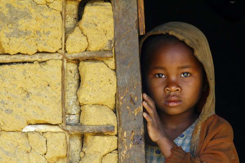 亞洲、非洲兩地因糧食問題發育不良的兒童,佔全球9成。(截自聯合國糧食及農業組織)