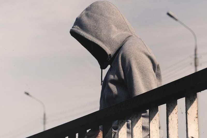 年僅16歲的馬新野卻犯下了11起姦殺案,是什麼讓他從資優生變成殺人魔......(示意圖/取自pixabay)