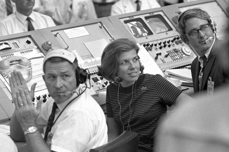 1969年7月,阿波羅11號登月任務,NASA任務行動控制室,女科學家摩根(JoAnn Morgan)(AP)