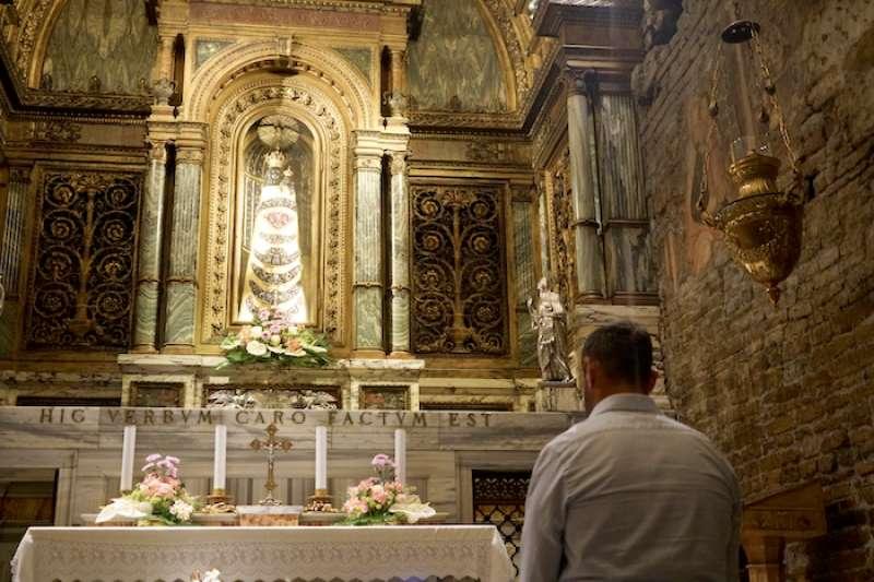 洛雷托聖殿黑聖母像(曾廣儀攝)