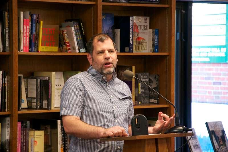 泰勒.科文(Tyler Cowen)。(取自Politics and Prose Bookstore@Flickr)