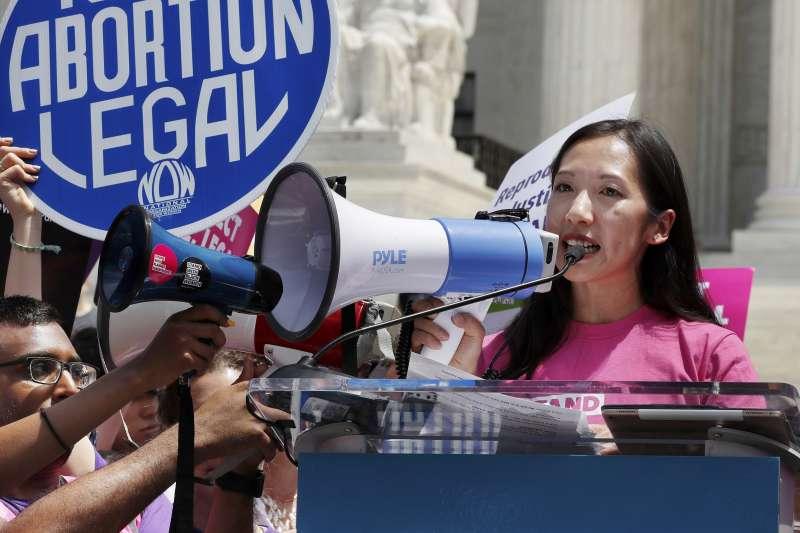 美國計劃生育協會華裔女主席16日在推特表示,因為理念差異,所以離開該協會(美聯社)