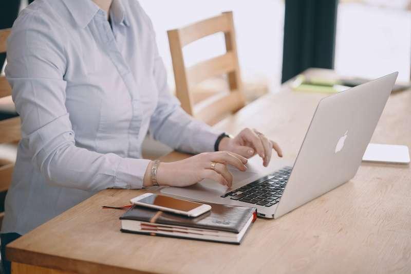 美國最新研究指出,婦女從事有薪工作能減緩晚年時記憶力衰退的情況(取自Pixabay)