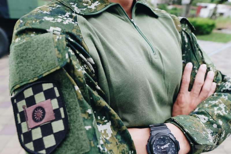 20190718-陸軍機步333旅換著新式救災服。(取自軍聞社)