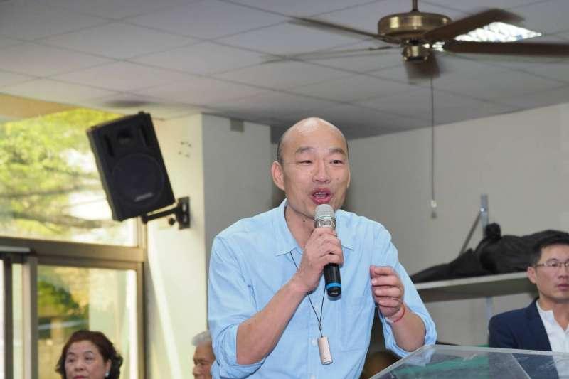 20190718_高雄市長韓國瑜18日下午到高雄鼓山高中慰問舉重選手。(林瑞慶攝)