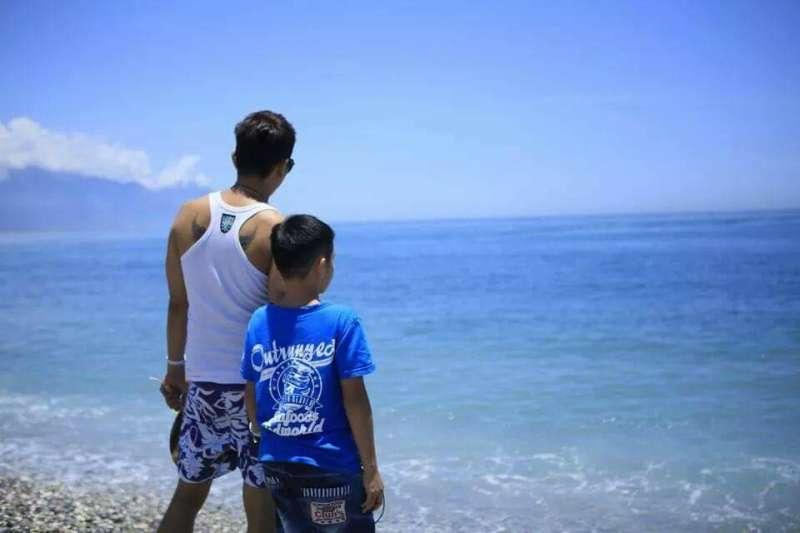 Andy所給予的無限照顧與關愛,讓兒子能夠無憂無慮地成長、茁壯。(圖/受訪者提供)