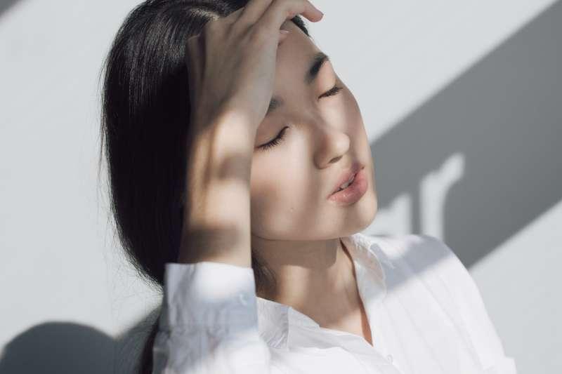 醫師證實網路傳言,耳垂皺褶真的能夠作為心血管疾病診斷依據(圖/Unsplash)