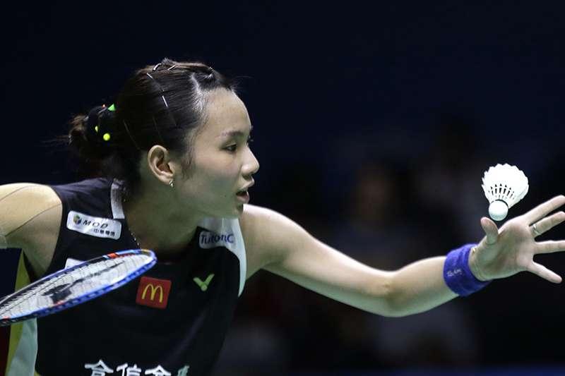 戴資穎今天在印尼羽球公開賽四強賽事不敵日本選手山口茜,無緣連霸。(美聯社)