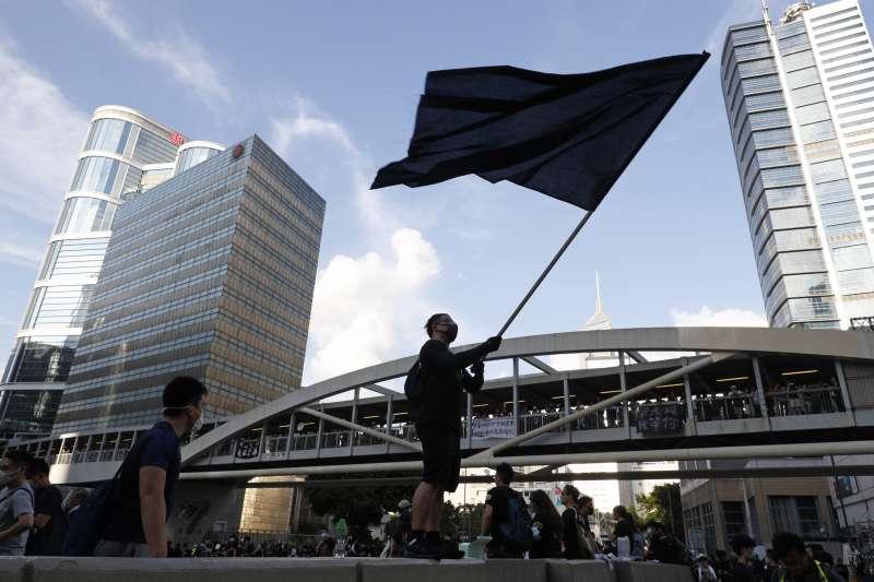 2019年7月21日,香港「反送中」民眾再上街頭(AP)