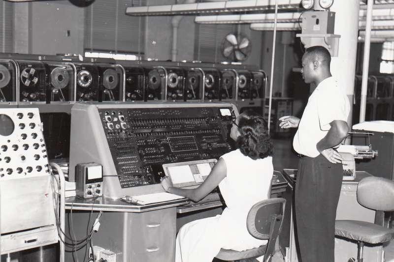 人類第一部商用電子計算機「UNIVAC I」1951年問世(Wikipedia / Public Domain)
