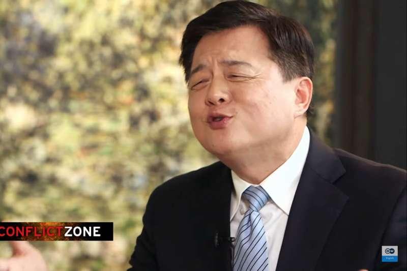 前台北縣長周錫瑋接受德國之聲專訪(YouTube)