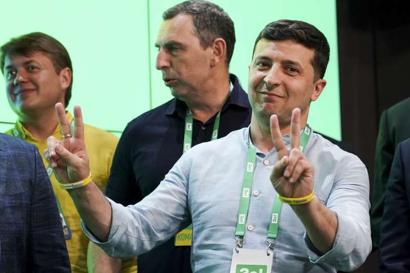 2019年7月21日,烏克蘭舉行國會改選,哲連斯基帶領人民公僕黨大獲全勝。(AP)