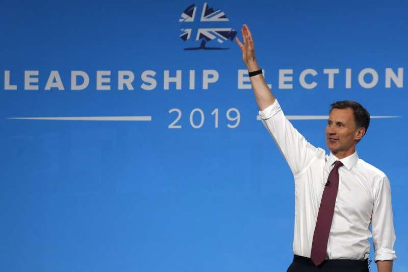 英國外相杭特在首相之爭中敗北。(AP)