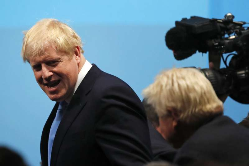 英國保守黨魁之爭結果揭曉,強森當選新任英國首相。(AP)