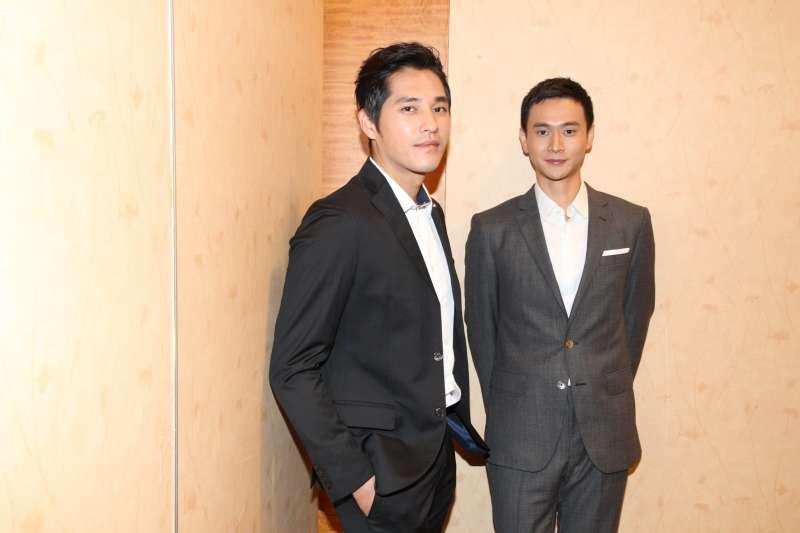 20190723-演員藍正龍(左)和劉冠廷(右)於2018年12月 出席新加坡簽約記者會,「你那邊怎樣.我這邊OK」。(「取自你那邊怎樣.我這邊OK臉書」)