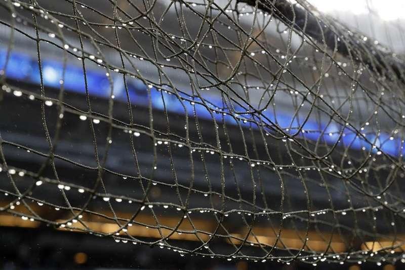 雖然日前被界外球擊中的三歲孩童已經出院,不過也顯示大聯盟各隊延伸防護網已經迫在眉睫。 (美聯社)