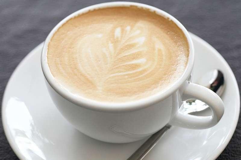 咖啡因可能有助提升注意力及精神,但卻可能為患有焦慮症的人帶來麻煩。(圖/健康傳媒提供)