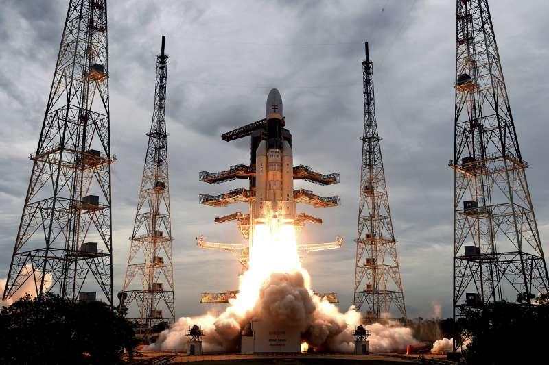 2019年7月22日,印度第二個月球探測器「月船2號」(Chandrayaan-2)發射升空(AP)