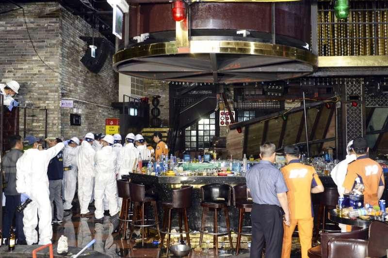 2019年7月27日凌晨,南韓光州廣域市一家夜店發生坍塌意外。(AP)
